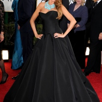 Hello, beautiful! Sofia is always a red carpet favorite of mine. I love this Zac Posen gown she is wearing. Everything from the beautifully tailored bodice to the pleats on the skirt. The statement necklace is perfection and just brings the look home.